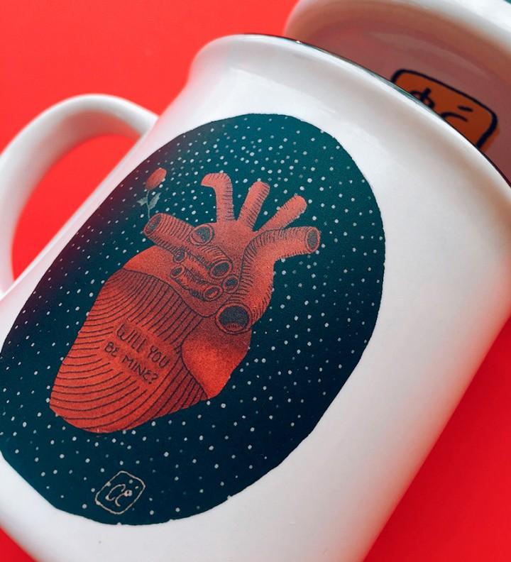 Illustrated ceramic mug heart detail Cé-Marina Shop